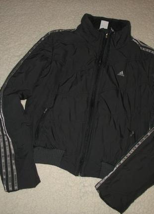 Куртка adidas темно-серая с полосками на рукавах