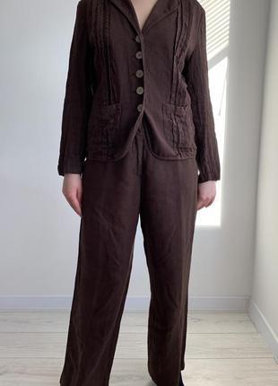 Коричневый брючный льняной костюм max mara.