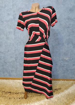 Шикарное асимметричное платье в полоску