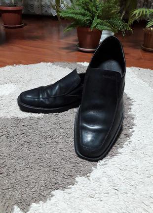 Кожаные туфли от известного бренда geox