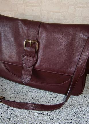 Красивая, стильная большая сумка кросс-боди из натуральной кожи. lieenna de luca