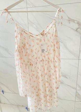 Светлое легкое платье с цветочками