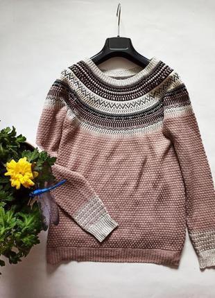 Лёгкий свитер свободного кроя