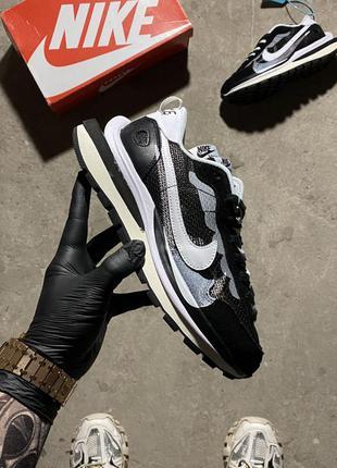 Nike ld vaporwaffle sacai black white