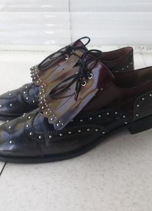 .кожаные туфли pertini