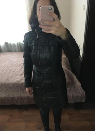 Кожаное стеганое пальто