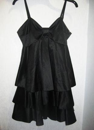 Шикарное экстравагантное платье gestuz