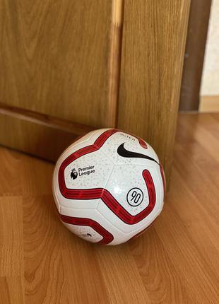 Футбольный мяч nike premier league
