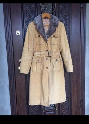 Стильне пальто на теплу осінь , велюр