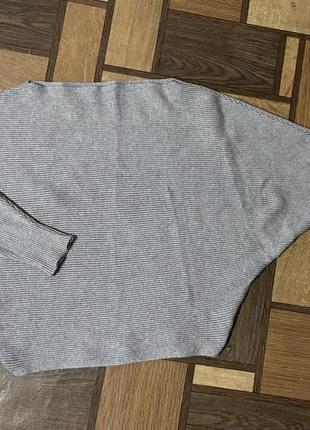 Укороченный свитер летучая мышь