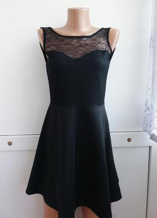 Платье чёрное короткое с кружевом