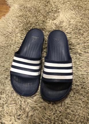 Сеперские брендовые шлёпанцы унисекс adidas