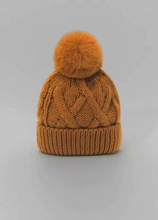 Красивая шапка zara