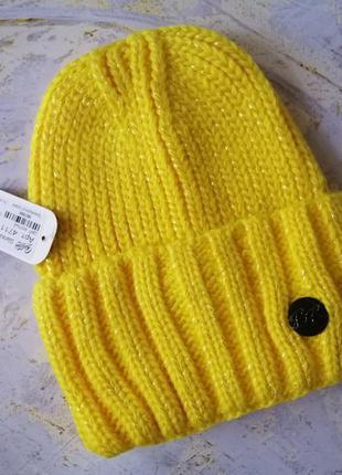 Вязаная тёплая зимняя шапка бини  желтая с люрексом с отворотом