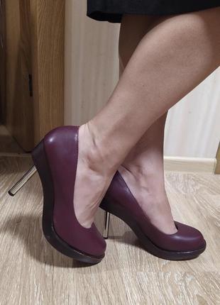 Кожаные дизайнерские туфли