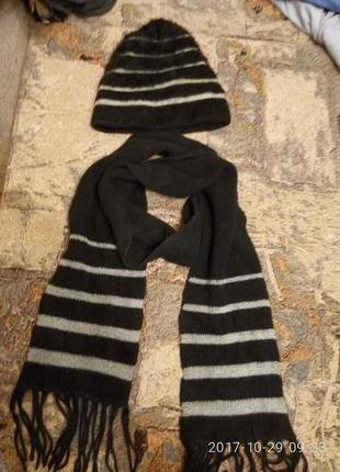 Шапка с шарфиком комплект и много других брендовых вещей
