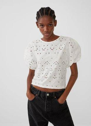 Белая гипюрная блуза из новых коллекций zara