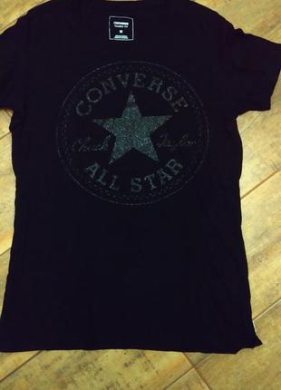 Стильная женская футболка бренда converse