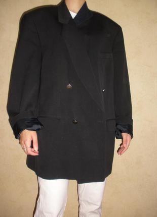 Двубортный тонкой шерсти жакет пиджак с мужского плеча  daniel drescott