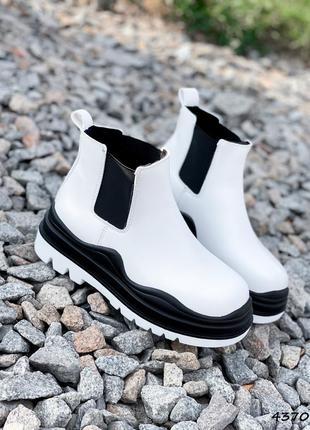 Ботинки женские белые чёрные кожаные на флисе  кожа экокожа