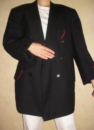 Стильный двубортный тонкой шерсти  пиджак с мужского плеча durton