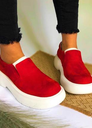 Женские красные туфли 🍁