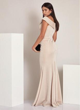 Вечернее платье шикарное