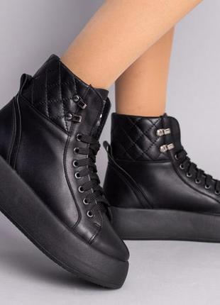 Ботинки женские кожаные черные на толстой подошве