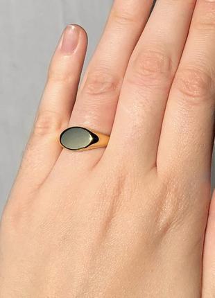 Кольцо печатка в золоте 17 размер