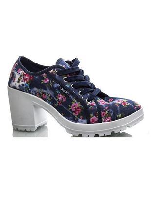 Текстильные туфли в цветочек libang на тракторной подошве 38 размер стелька 24 см