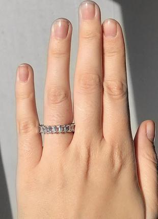 Кольцо багет в золоте и серебре  17 размер