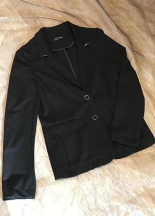 Новый  пиджак блейзер casual на двух кнопках, вискоза 70% франция