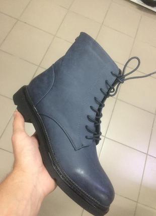 Женские демисезонные ботинки большие размеры
