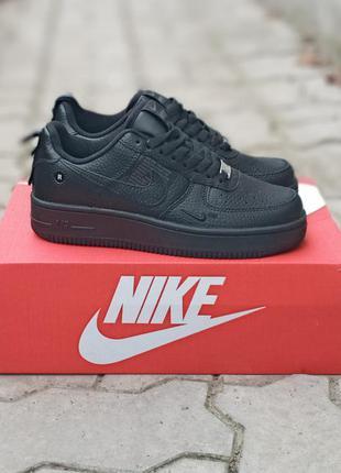 Женские кроссовки nike air force кожаные, черные