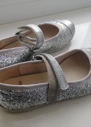 Туфли на девочку clarks