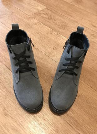 Зимние замшевые ботинки2 фото