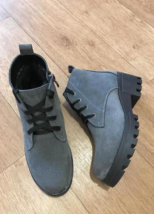 Зимние замшевые ботинки1 фото