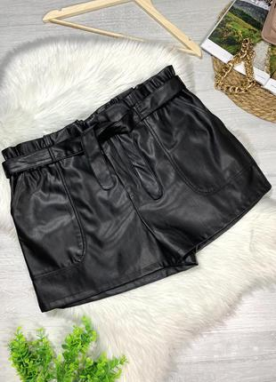 Стильные шорты эко кожа большого размера