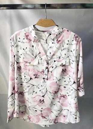 Женская нежная блуза в цветок