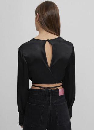 Новая атласная блузка-топ от bershka