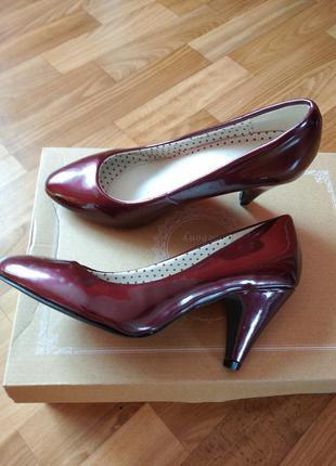 Туфлі нові р.37