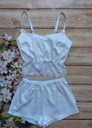 Сатиновая пижамка, белая пижама, топ с кружевом, пижамные шорты