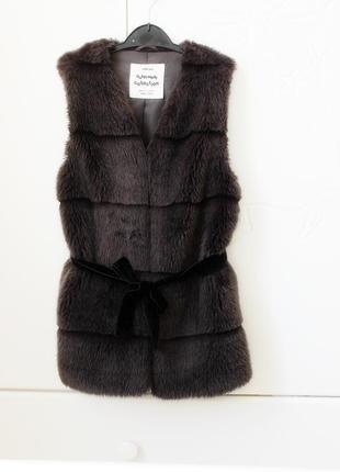 Меховая жилетка на девочку zara