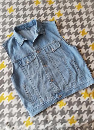 Джинсовая жилетка винтажная голубая оверсайз безрукавка