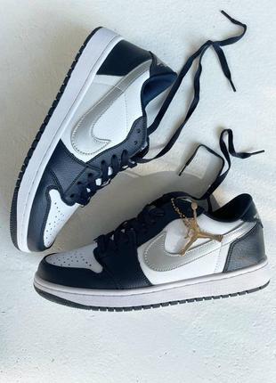 Коданые мужские кроссовки nike air jordan 1 retro low navy blue