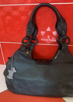 Стильная объемная вместительная кожаная сумка radley с собачкой / натуральная кожа