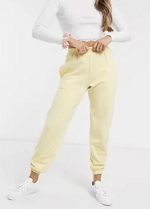 Жёлтые джогеры new look