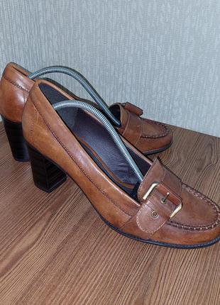 Стильные кожаные туфли коричневого цвета 5th avenue
