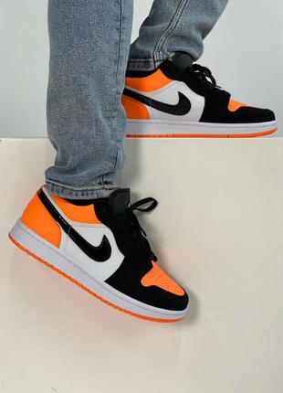 Мужские кроссовки nike jordan оранжевые низкие найк