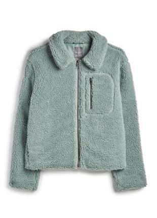 Очень стильная меховая куртка оверсайз